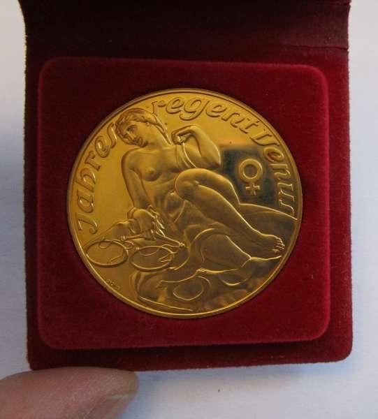 Kalender Medaille Jahresregent 1990 Bronze vergoldet